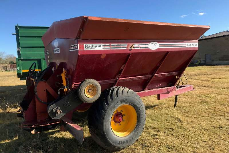 Radium Spreaders Fertiliser Spreader 8 TON SPREADER