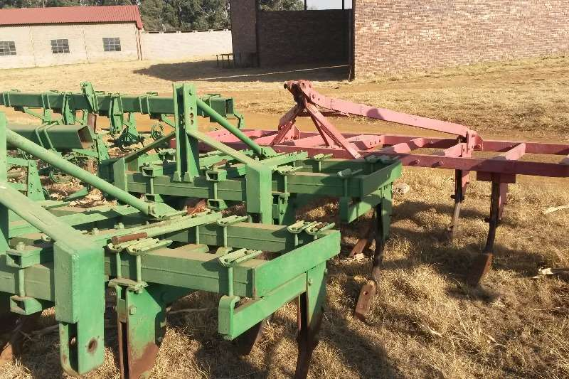 Rakes, Rippers, Rotovators Other SAFIM 5 TAND RIPPER 0