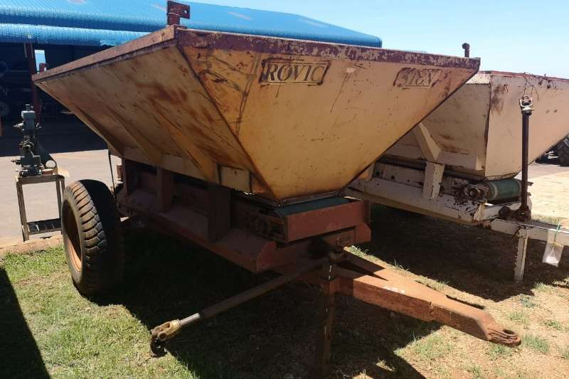 Rovic Fertiliser spreader Rovic 5ton Kalk Strooier Spreaders