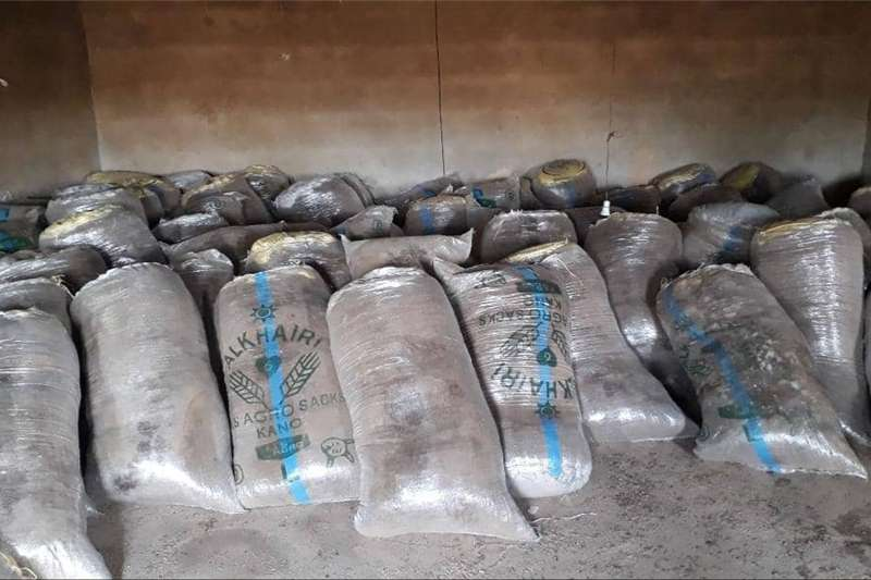 Seeds Fertilisers and Chemicals Fertilisers Chicken manure for sale!!