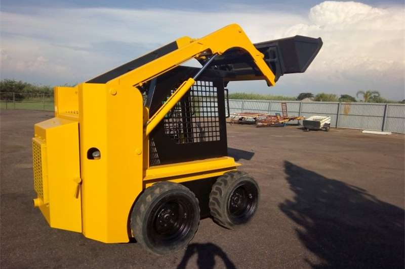 Construction Skidsteer with Big Trailer Skid steers