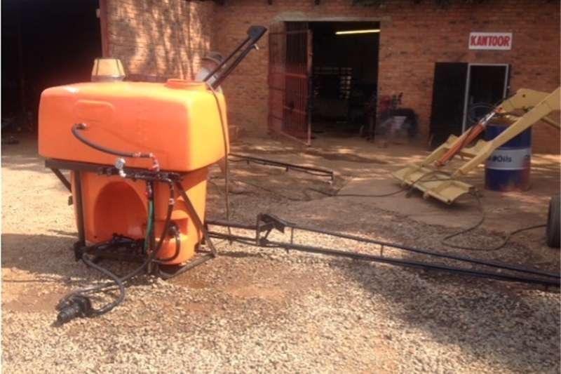 Boom sprayers S2986 Orange U Make 600lt 6m Boom Spray / Gifspuit Sprayers and spraying equipment