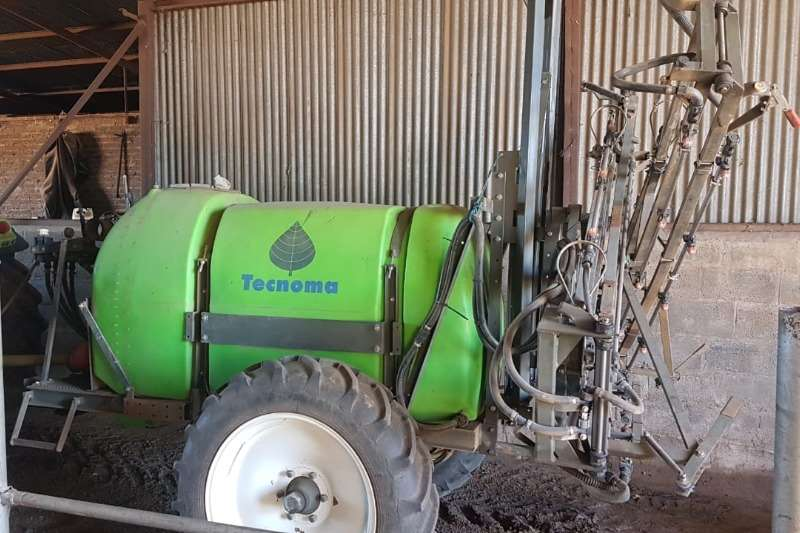 Boom sprayers Tecnoma Sprayers and spraying equipment