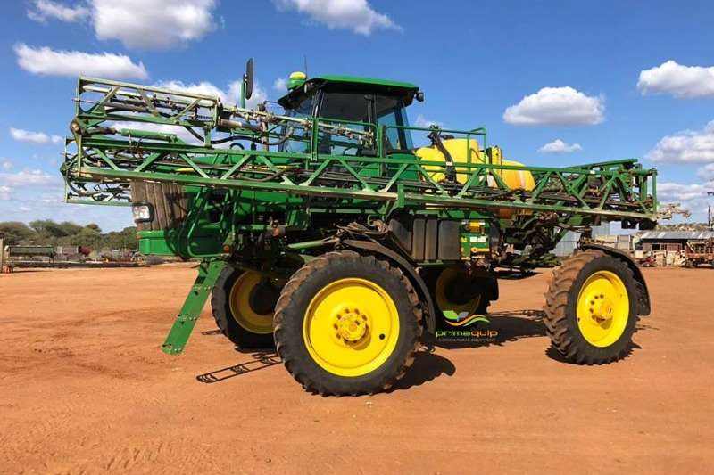 John Deere High clearance sprayers John Deere 4630 Wide Sprayers and spraying equipment