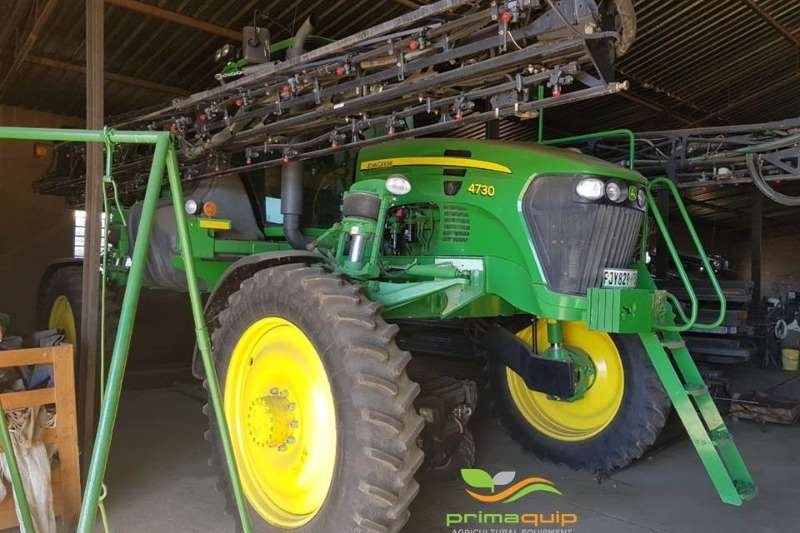John Deere High clearance sprayers John Deere 4730 Sprayers and spraying equipment