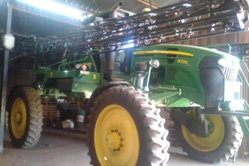 John Deere High clearance sprayers John Deere 4730 spuit Sprayers and spraying equipment