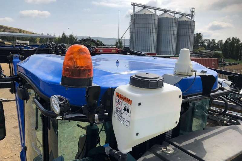 Other High clearance sprayers New Holland SP 240 XP Sprayers and spraying equipment