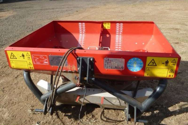 Spreaders-Fertiliser, Lime, Manure Other JUPIDEX ROC 700 Fertilizer Spreader 2016