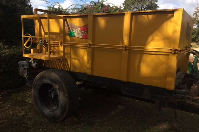Fertiliser spreader ItalSpread Fertilizer Spreader For Sale Spreaders
