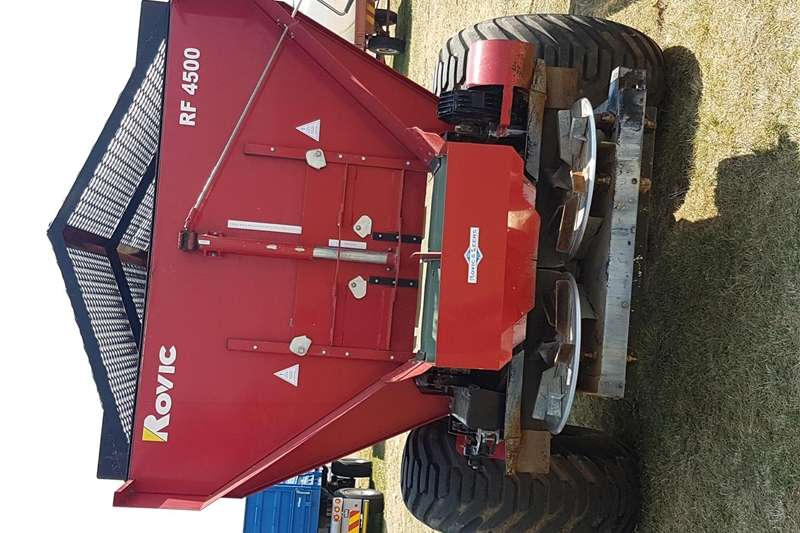 Other spreaders Rovic RF 4500 Spreaders