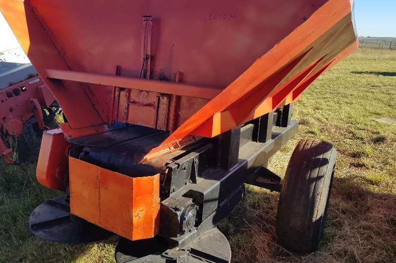 Rovic Fertiliser spreader Rovic Kalkstrooier Spreaders