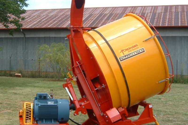 Taegle Cutters and Shredders Bale Shredders Tomahawk 505M Straw Mill