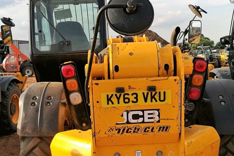 Construction JCB 535 140 T4iii with sway. Telescopic loader