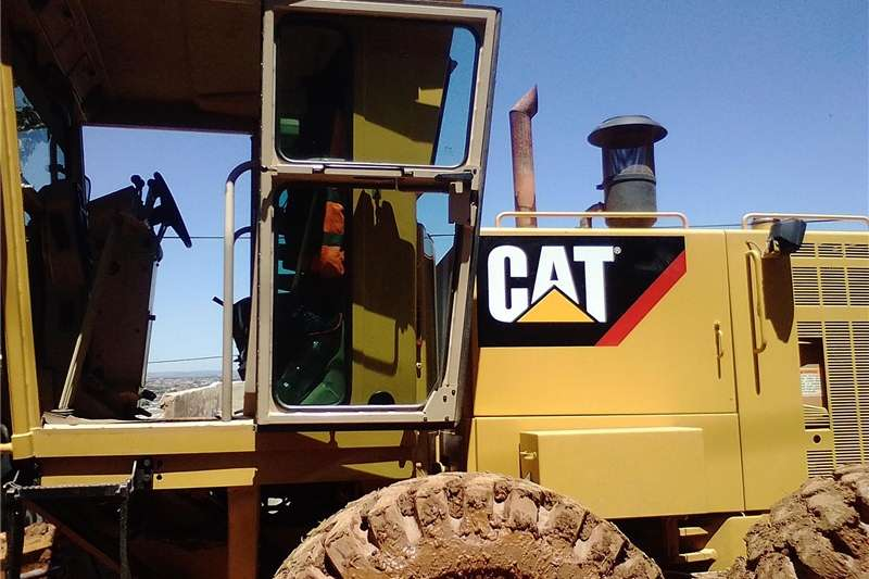 TLB's caterpiller 140h grader for sale