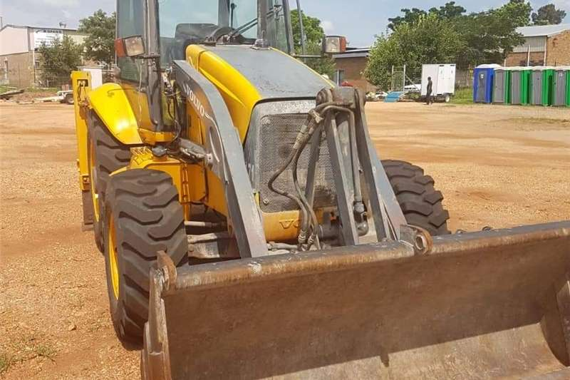 Farming Volvo 12 V TLB TLB's