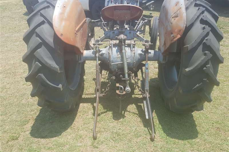 Antique tractors 2 VAAL JAPPIE TRACTORS FOR SALE Tractors