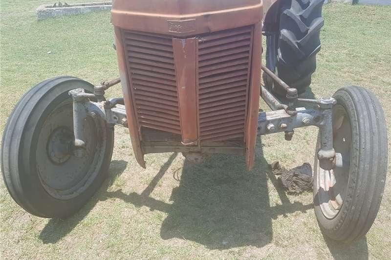Antique tractors 2 VAAL JAPPIE TRACTORS FOR SALE Tractors