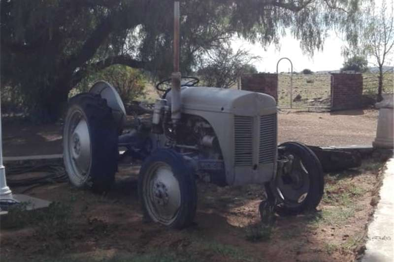 Antique tractors VAALJAPIE for Sale Tractors