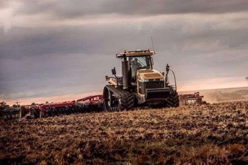 Challenger Speciality tractors MT765E Tractors