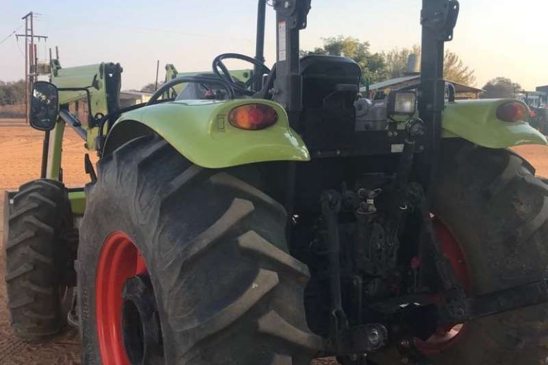 Claas Four wheel drive tractors Talos 230 + Loader Tractors