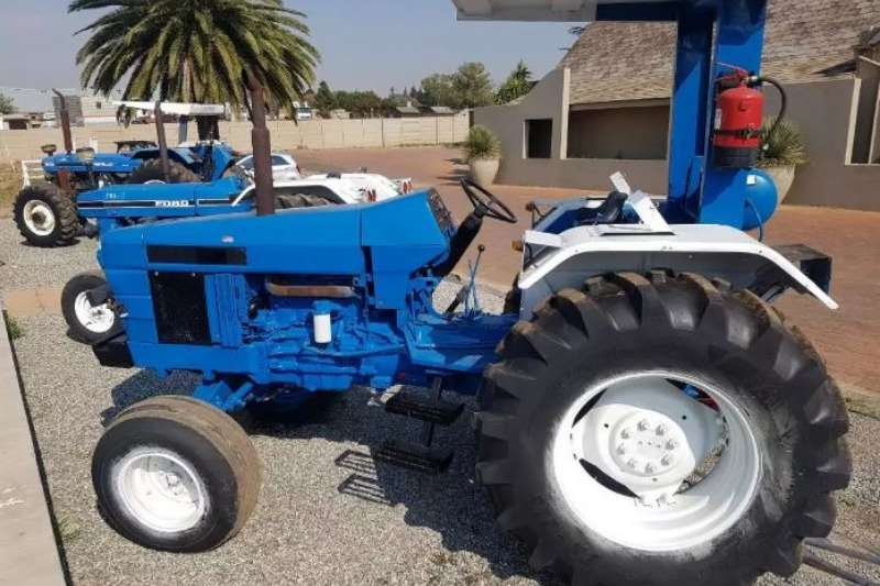 Ford Four wheel drive tractors 1997 Ford Tractor F6640 Tractors