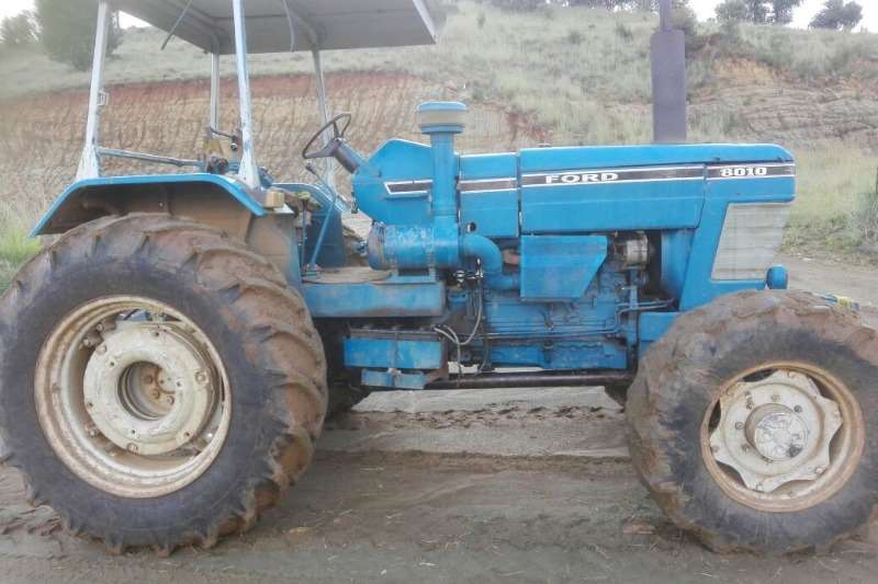 Ford Four wheel drive tractors Ford 8010 Tractors
