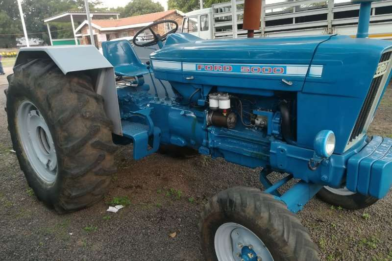 Tractors Ford Two Wheel Drive Tractors 5000 0