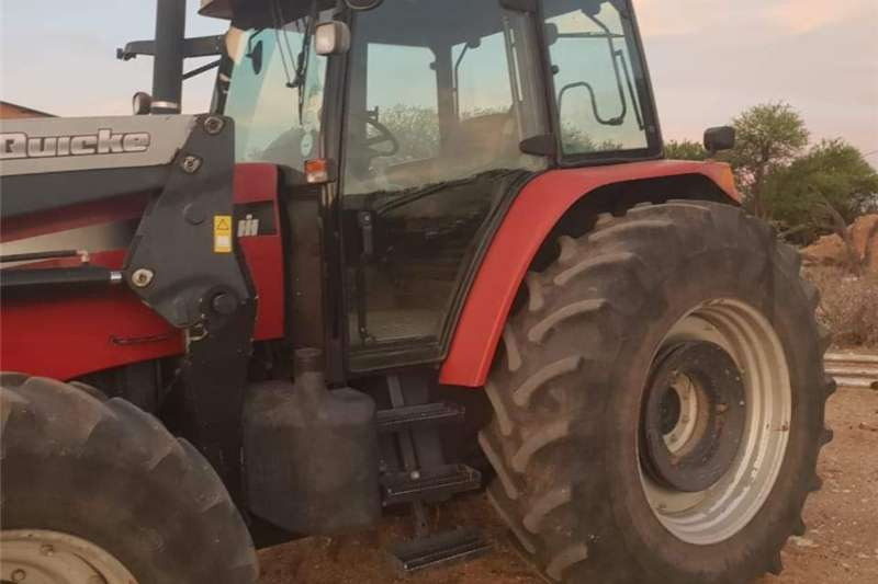 Four wheel drive tractors Case MXM 155 Tractors