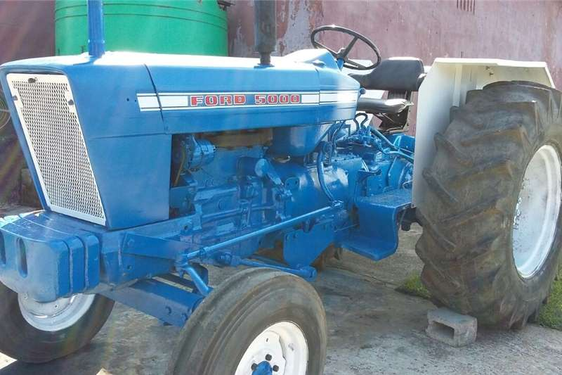 Four wheel drive tractors Ford 5000 Tractor for Sale with Farming Implements Tractors
