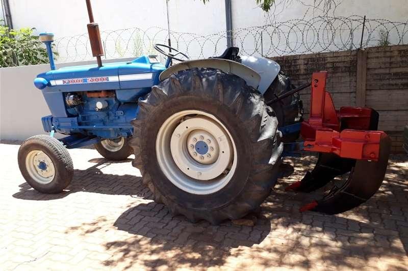 Tractors Four Wheel Drive Tractors Ford 5000 Trekker