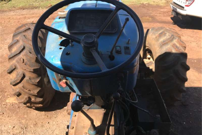 Four wheel drive tractors Ford 5610 4x4 Tractor Tractors