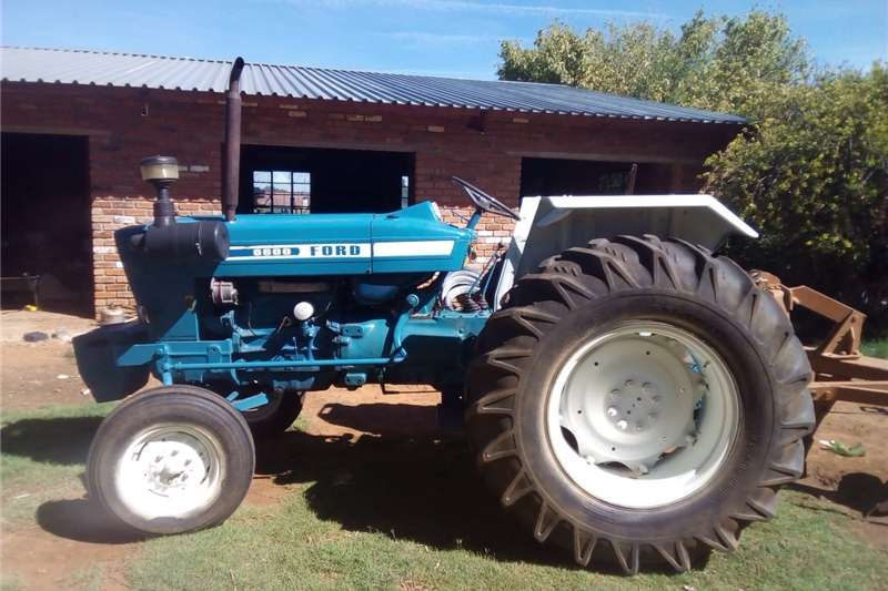 Four wheel drive tractors Ford 6600 tractor Tractors