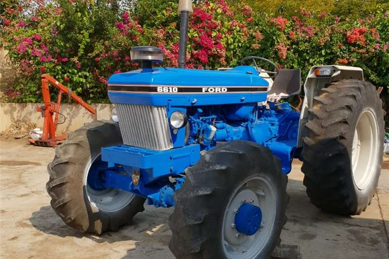 Tractors Four Wheel Drive Tractors Ford 6610 4x4 1984