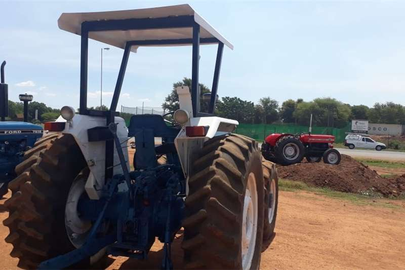 Tractors Four Wheel Drive Tractors Ford 7610 4x4 R140 000