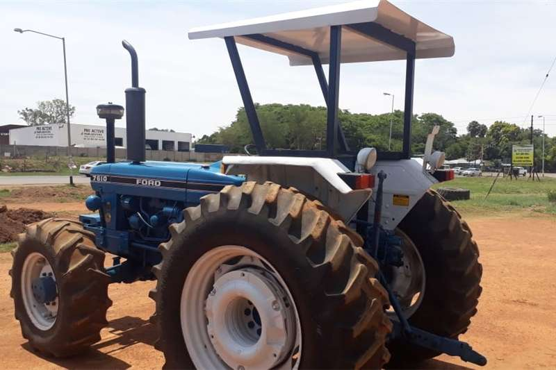 Four wheel drive tractors Ford 7610 4x4 R140 000 Tractors