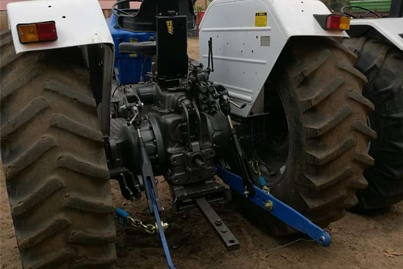Four wheel drive tractors Ford 7610DT Tractors