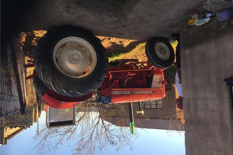 Four wheel drive tractors Tractors
