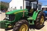 Tractors Four wheel drive tractors John Deere 5625 MFWD tractor