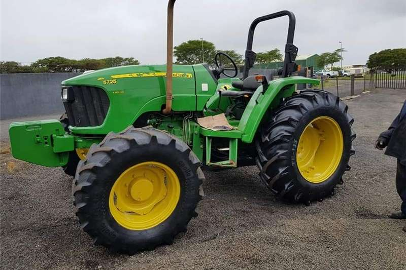 Tractors Four Wheel Drive Tractors John Deere 5725 Turbo 2013