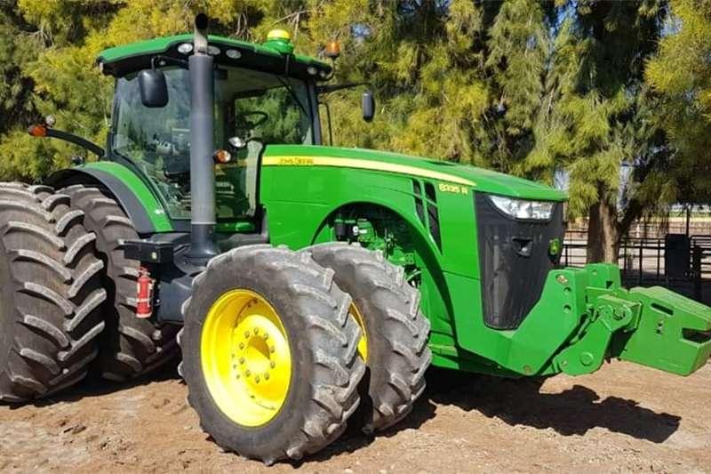 Tractors Four Wheel Drive Tractors John Deere 8335R  2012