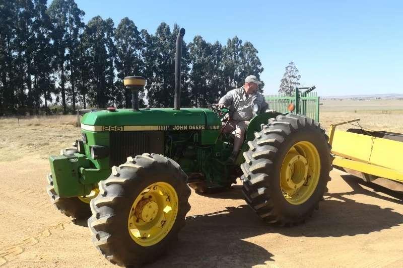 Four wheel drive tractors John Deere Four wheel drive tractors 2651 Tractors Tractors