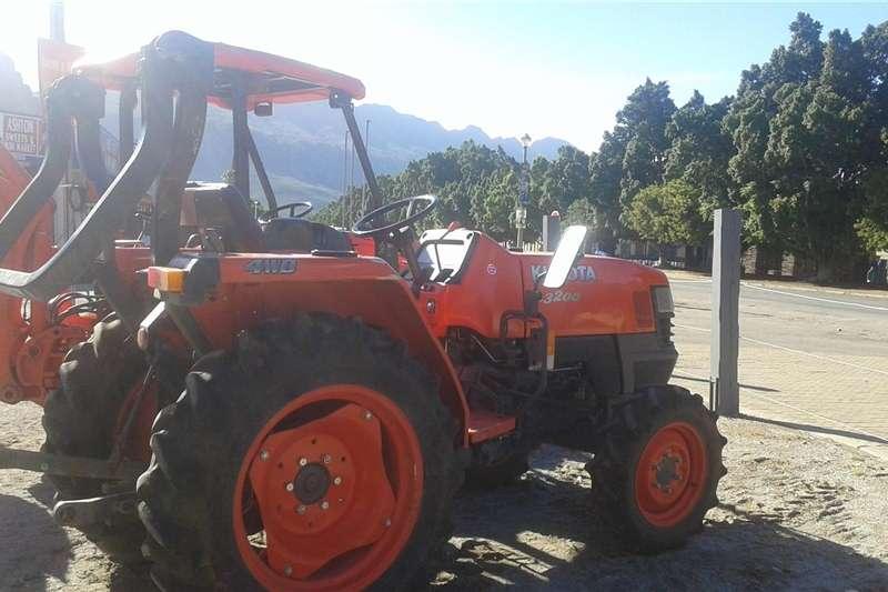 Four wheel drive tractors Kubota L3200 Diesel Tractor Tractors
