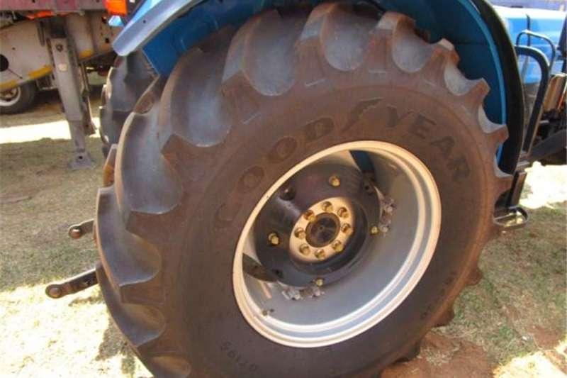 Four wheel drive tractors LANDINI SOLIS 90 DT Tractors