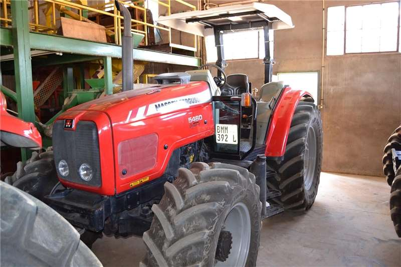Four wheel drive tractors Massey Ferguson 5460 Tractors