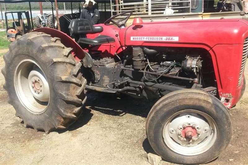 Four wheel drive tractors Massey Fergusson 35x Tractors
