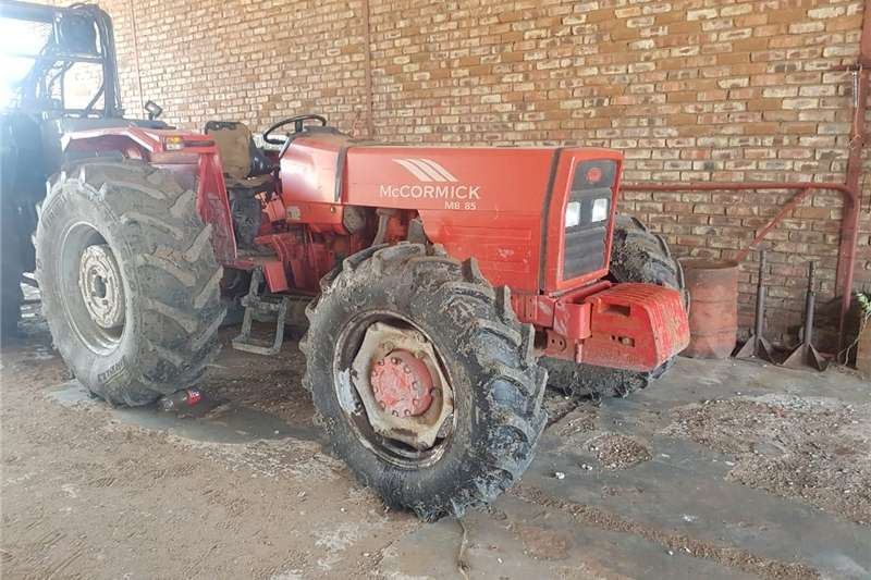 Four wheel drive tractors MC CORMICK trekker Tractors
