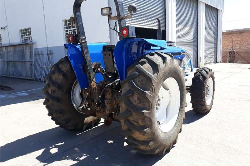 Four wheel drive tractors New Holland 5610 S DT for sale. Tractors