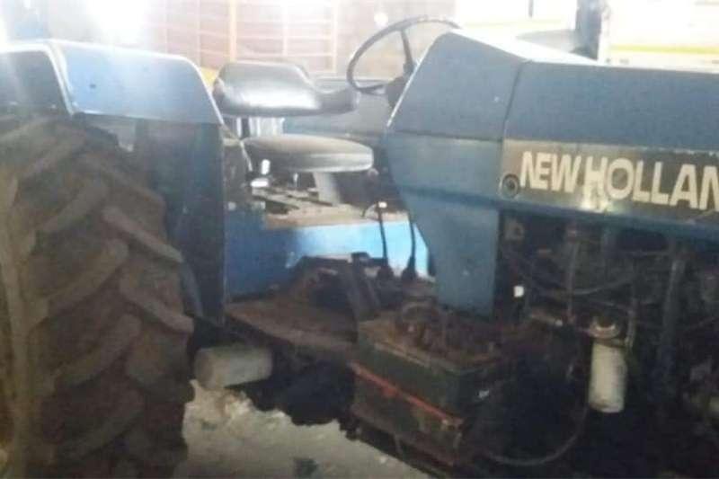 Four wheel drive tractors New Holland 5640 Tractors