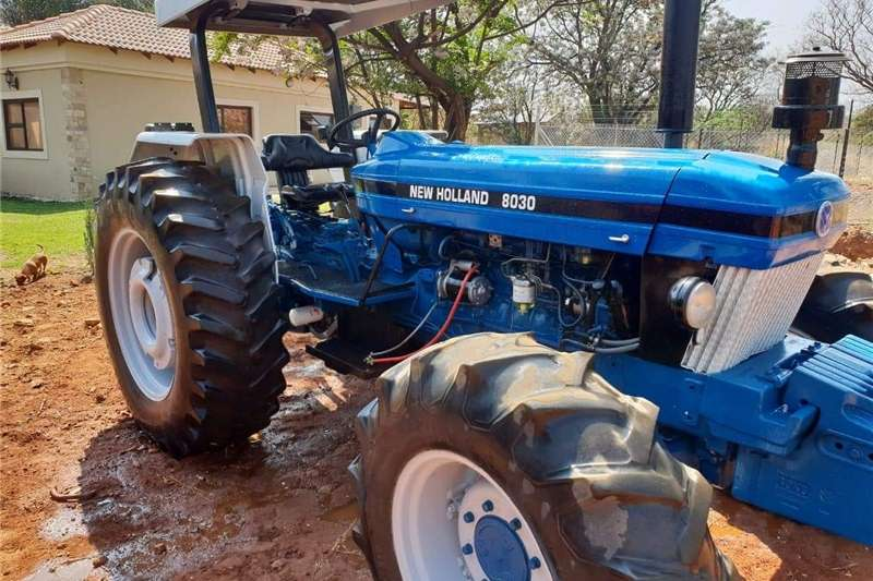 Four wheel drive tractors New Holland 8030 Tractors