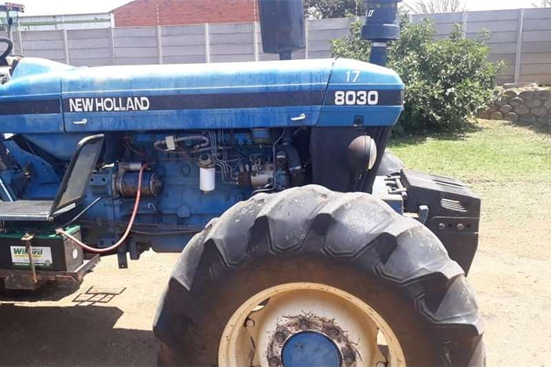 Four wheel drive tractors New Holland 8030 4wd Tractors